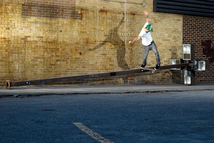 Tomas - Back Tail